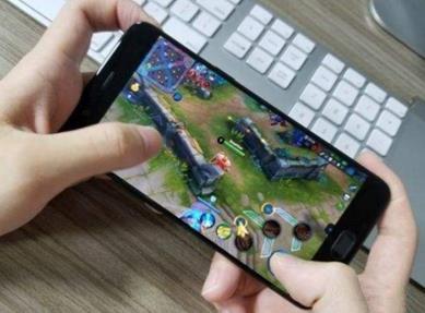 手机玩什么游戏可以挣钱又安全?来这里玩游戏赚现金